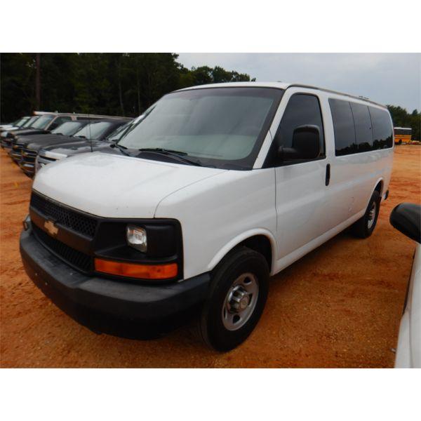 2011 CHEVROLET EXPRESS C3500 Passenger Van