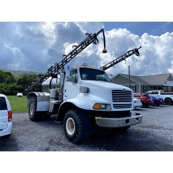 1999 STERLING L-LINE Sprayer Truck