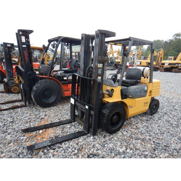 CAT GP30 Forklift - Mast