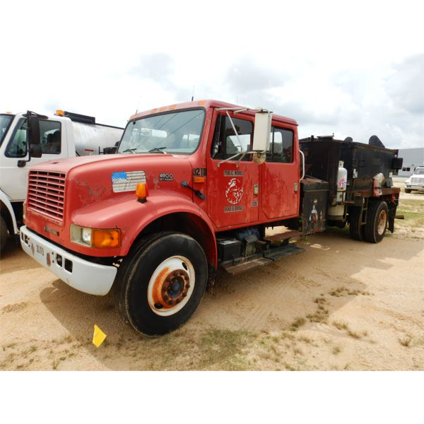 2002 INTERNATIONAL 4900 PROPATCH Asphalt Distributor Truck