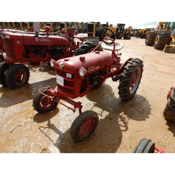 IH McCORMICK FARMALL CUB Farm Tractor