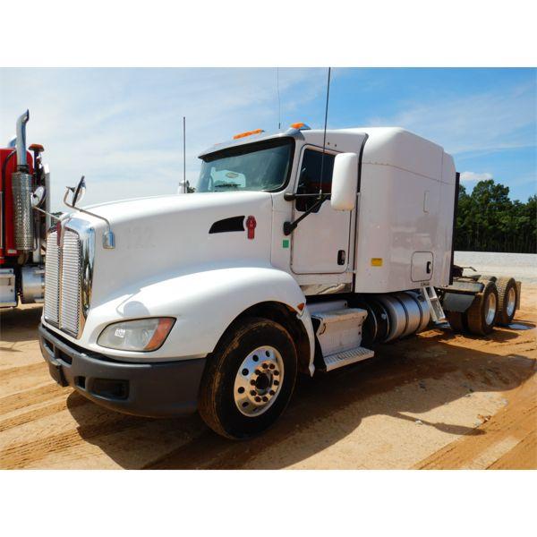 2014 KENWORTH T660 Sleeper Truck
