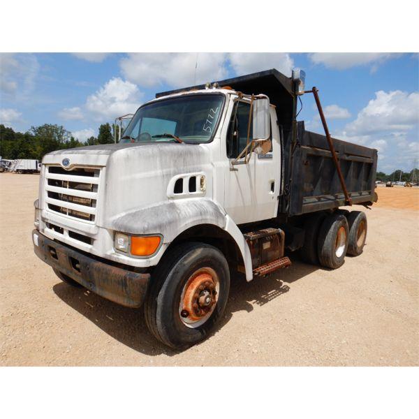 1998 FORD LOUISVILLE Dump Truck