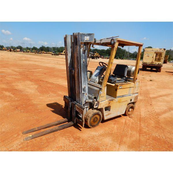 CAT T50DSA Forklift - Mast