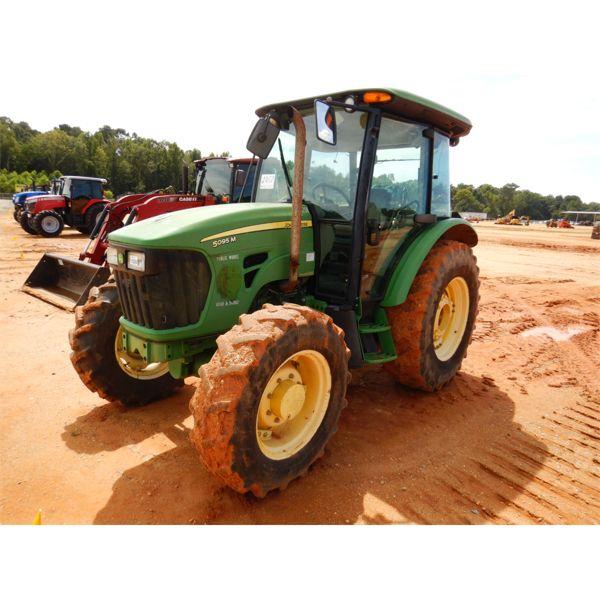 2010 JOHN DEERE 5095M Farm Tractor