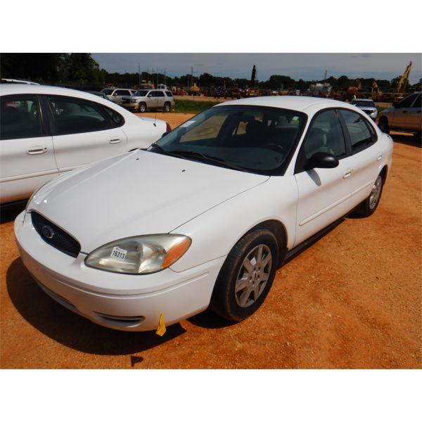 2006 FORD TAURUS SE Automobile