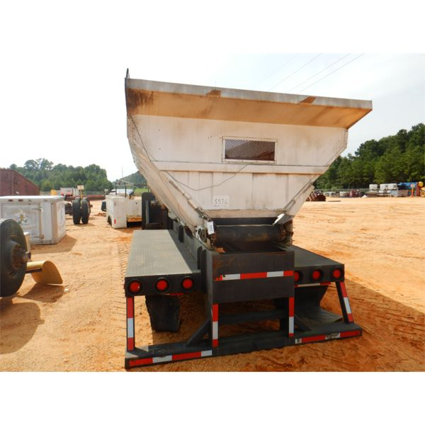 18' SAND/GRAVEL HYD SPREADER MOUNTED ON TRUCK FRAME (A-1)