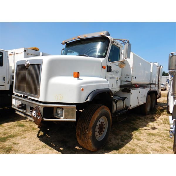 2006 INTERNATIONAL PAYSTAR 5600i Fuel / Lube Truck