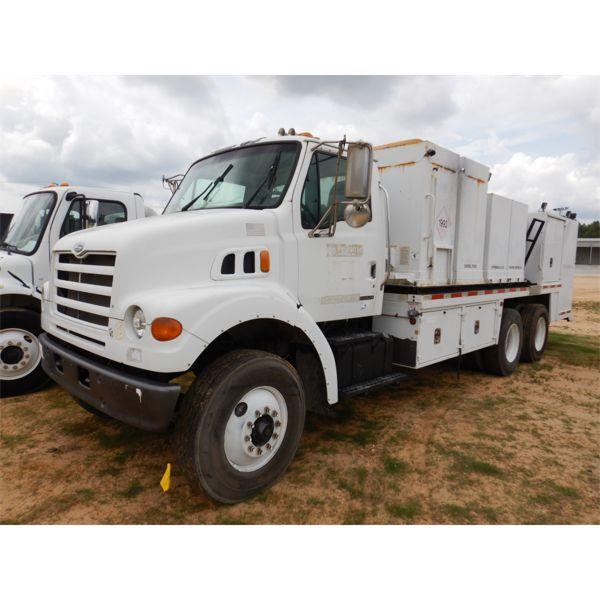 2004 STERLING LT7500 Fuel / Lube Truck