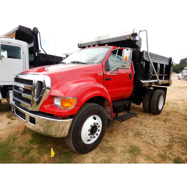 2004 FORD F750 Dump Truck