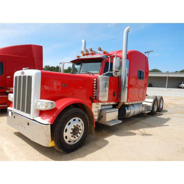 2016 PETERBILT 389 Sleeper Truck