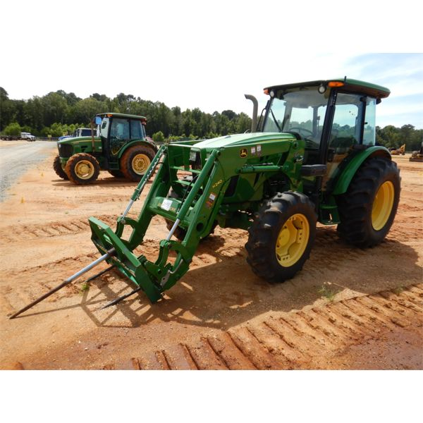 JOHN DEERE 5085E Farm Tractor