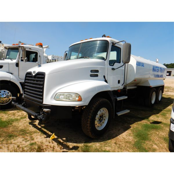 2007 MACK CXP613 Water Truck