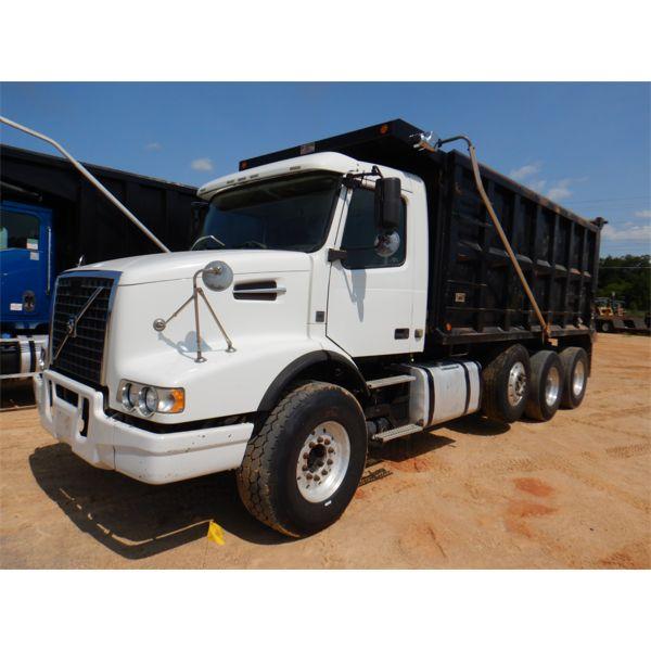 2012 VOLVO VHD Dump Truck