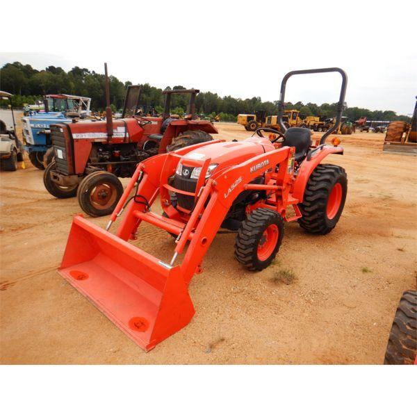 KUBOTA L3901D Farm Tractor