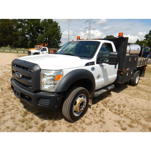 2013 FORD F450 XL Flatbed Truck