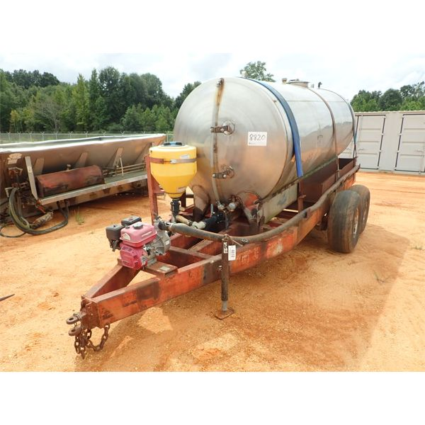 STAINLESS STEEL WATER TANK TAILER, 2000 GALLON, GAS ENGINE, WATER PUMP WITH HOSE & MIXER TANK (C3)