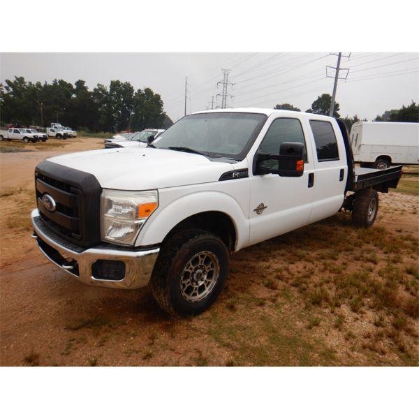 2011 FORD F250 XL Flatbed Truck