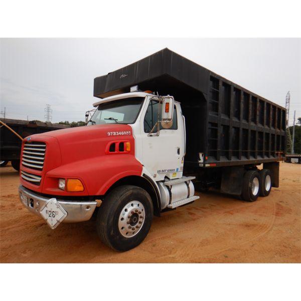 2001 STERLING LT9 Dump Truck
