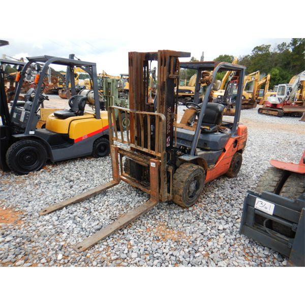 TOYOTA 8FDU30 Forklift - Mast