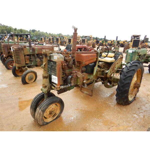 JOHN DEERE 39081 Farm Tractor