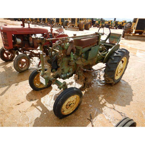 JOHN DEERE MODEL M Farm Tractor