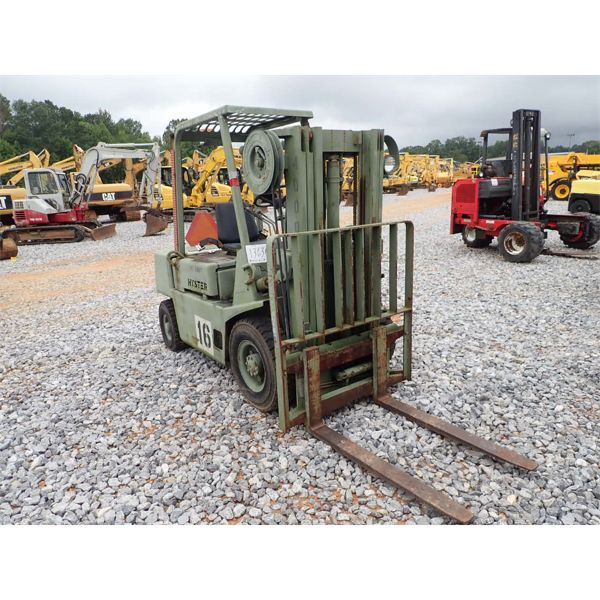 HYSTER H40XLM Forklift - Mast