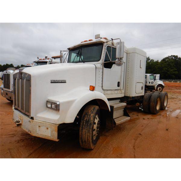 KENWORTH T800 Sleeper Truck