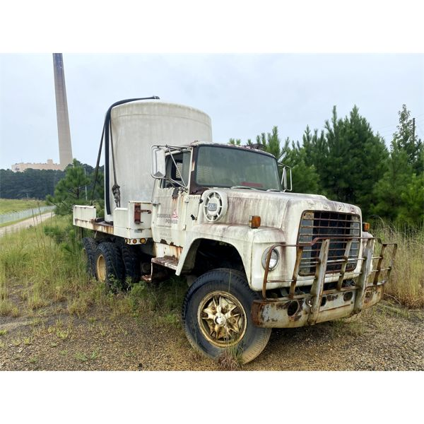 1977 FORD 6X4 Flatbed Truck