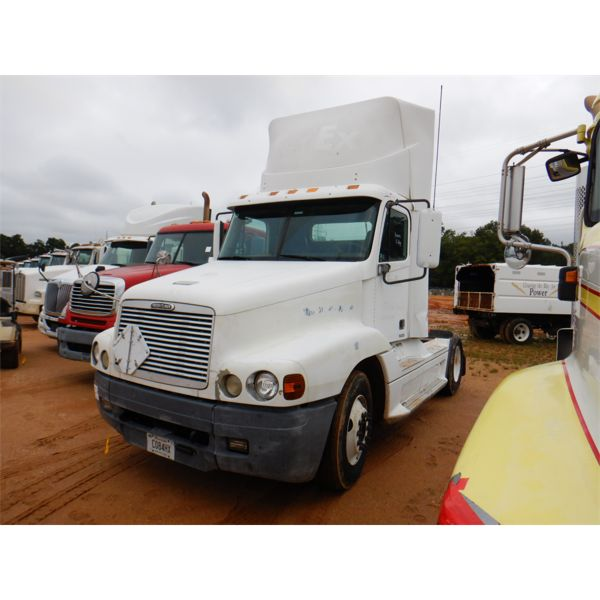 2002 FREIGHTLINER CENTURY CLASSIC Day Cab Truck