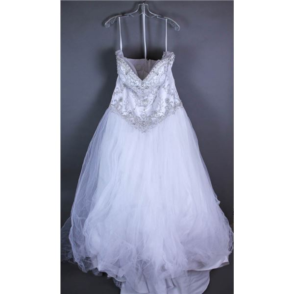 WHITE VENUS DESIGNER BRIDAL GOWN SIZE 20