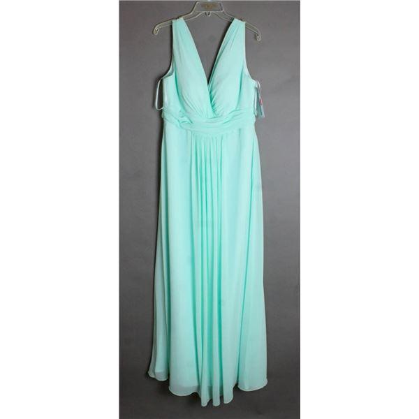 SEAFOAM GREEN VENUS FORMAL DESIGNER DRESS SIZE 18
