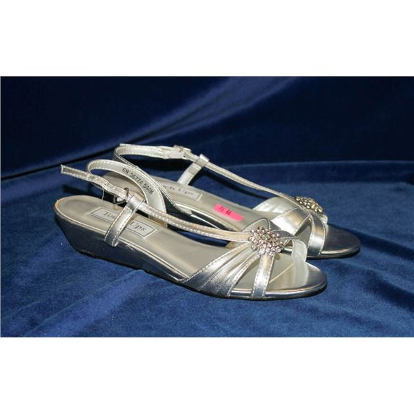 TOUCH UPS SILVER STRAPPY HEELED FORMAL SANDALS