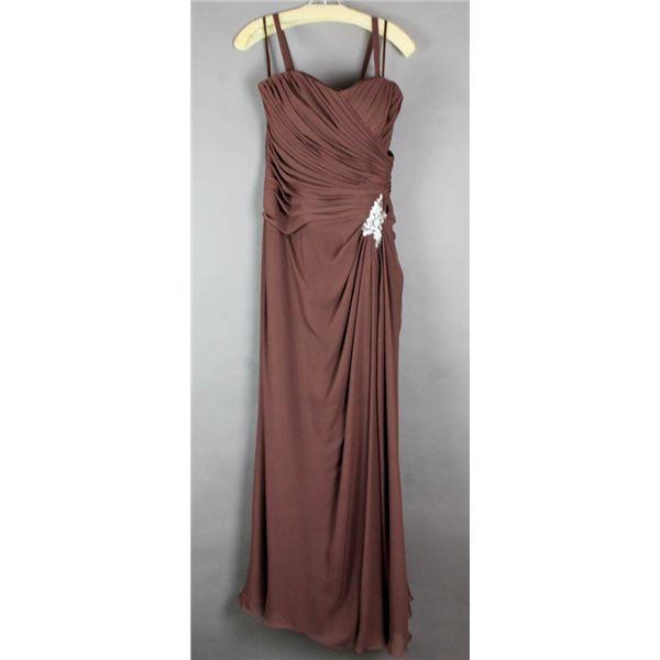 BROWN VENUS DESIGNER FORMAL DRESS; SIZE 14