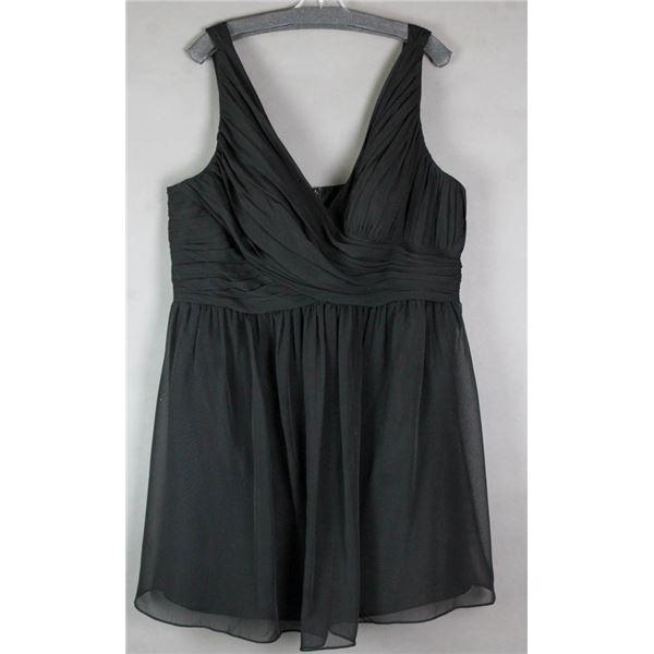 BLACK VENUS DESIGNER FORMAL DRESS; SIZE 24