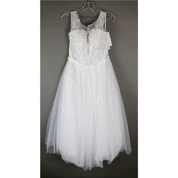 WHITE BONNY DESIGNER BRIDAL GOWN; SIZE 18