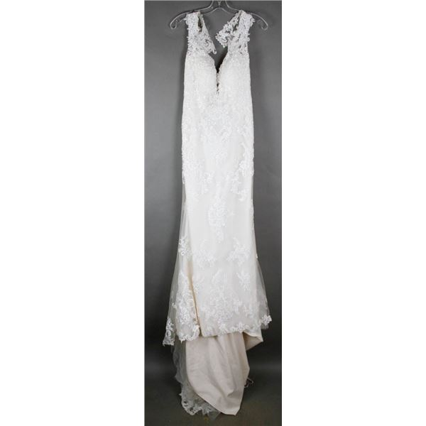 IVORY LACE MAGGIE DESIGNER BRIDAL GOWN; SIZE 16