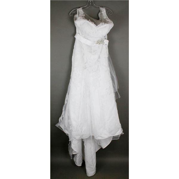 WHITE LACE BONNY DESIGNER BRIDAL GOWN; SIZE 14