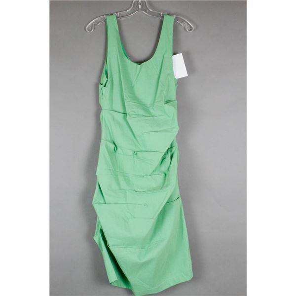 GREEN PAPILLION DESIGNER DRESS; SIZE XL