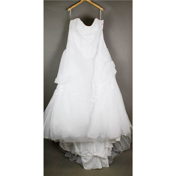 WHITE BONNY EMBROIDERED BRIDAL DESIGNER GOWN;