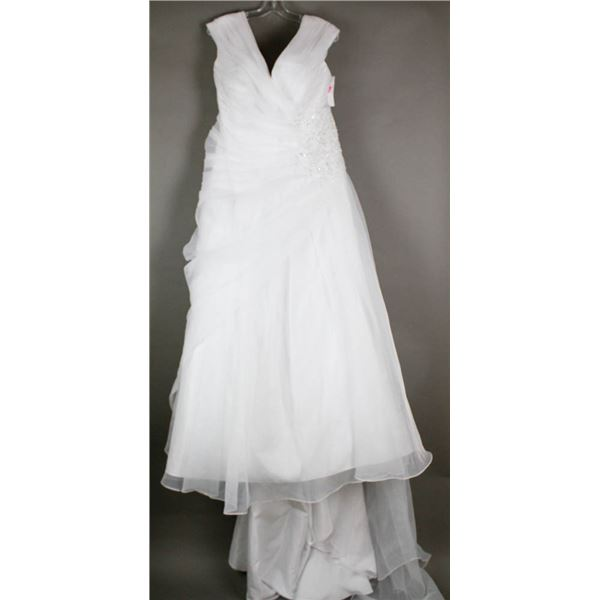 WHITE VENUS BRIDAL DESIGNER GOWN; SIZE 26-