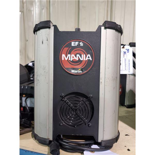 MARTIN MANIA EF 1I 115VAC 60HRZ PROFESSIONAL DJ MULTI LIGHT