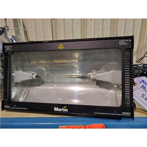 MARTIN ATOMIC 3000 DMX 90 - 120V PROFESSIONAL STAGE LIGHT WITH MARTIN MC-1 CONTROLLER