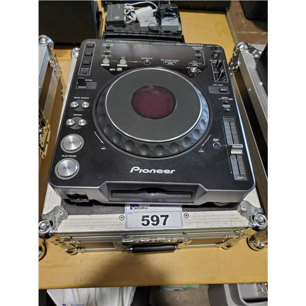 PIONEER CDJ-1000MK3 PROFESSIONAL DJ MIXER / TURN TABLE WITH ROAD CASE