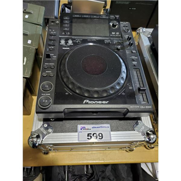 PIONEER CDJ-2000 PROFESSIONAL DJ MIXER / TURN TABLE WITH ROAD CASE