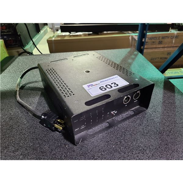 OCTO OPTO DMX-512 DMX SPLITTER