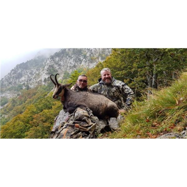 CAPRINAE SAFARIS: 2-DAY VERCORS OR CHARTREUSE CHAMOIS HUNT FOR ONE HUNTER IN THE FRENCH ALPS