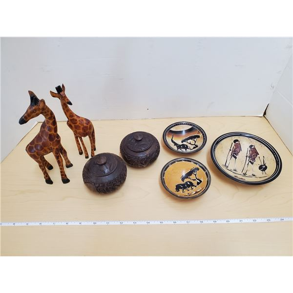 LOT OF AFRICAN THEME DECORATIONS