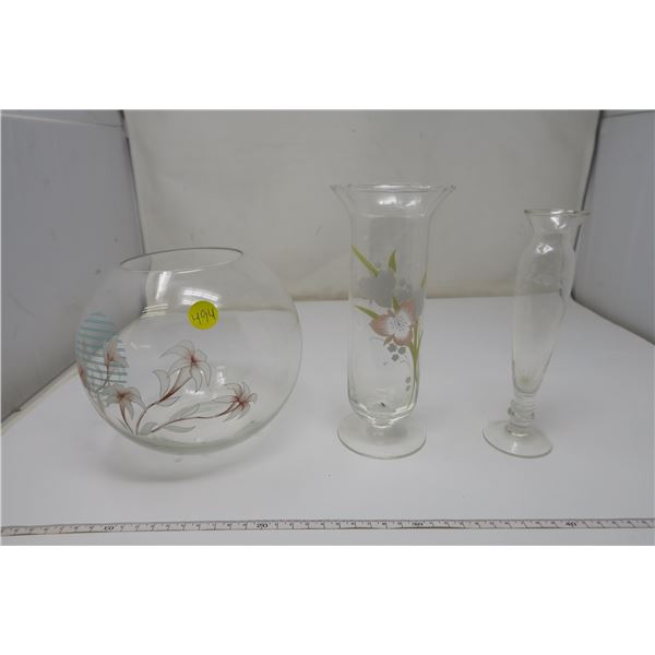 3 Piece Glass Items with Flower details