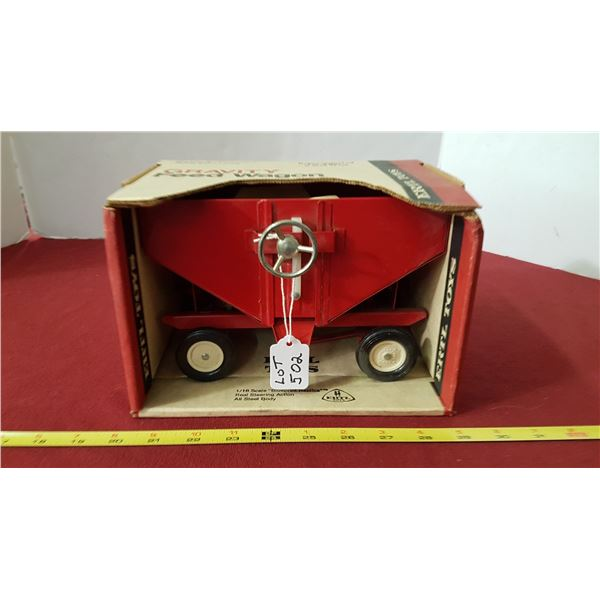 ERTL - Gravity Feed Wagon 1/16 Scale